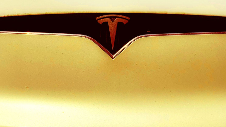 Elon Musk's Tesla Is Reportedly Plugging a Secret Super-Battery into Texas