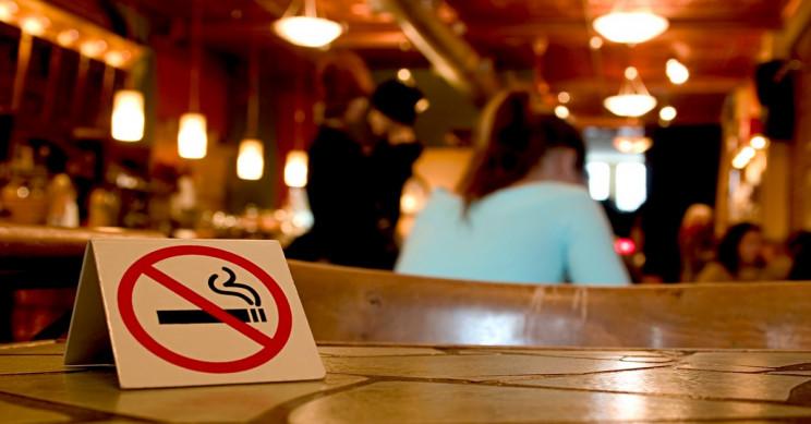 Smokers Contaminate Non-Smoking Areas Through Their Bodies and Clothes
