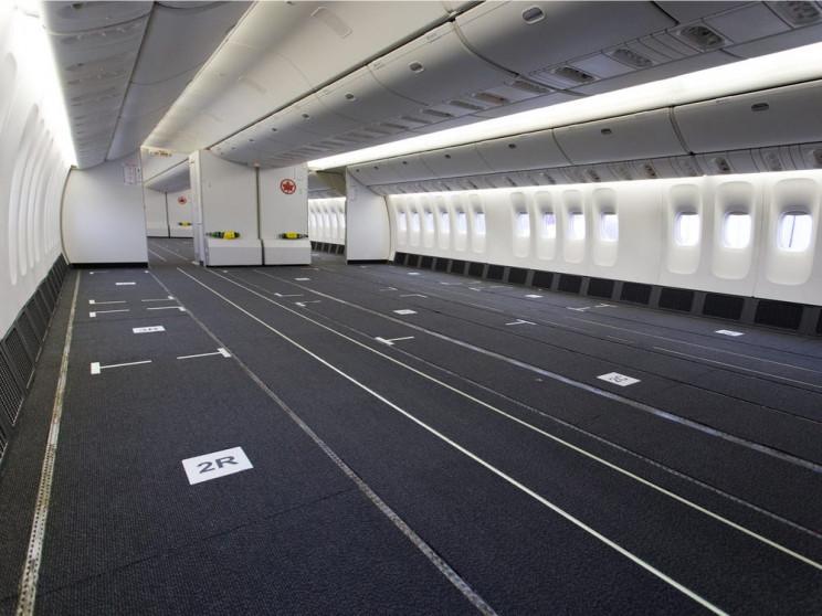 empty cargo planes 777