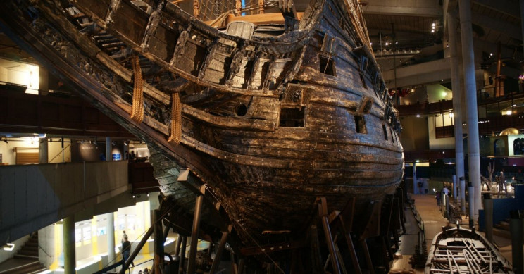 17th-Century Warship Wrested From Icy Baltic Sea, Near-Perfect Condition