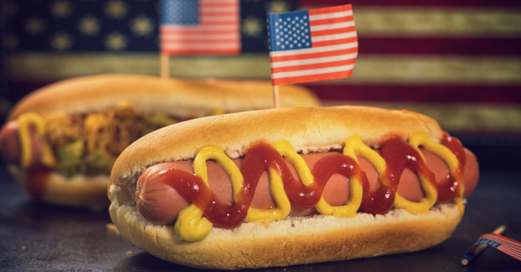 How Many Hot Dogs One Can Eat in Ten Minutes, Study Discovers