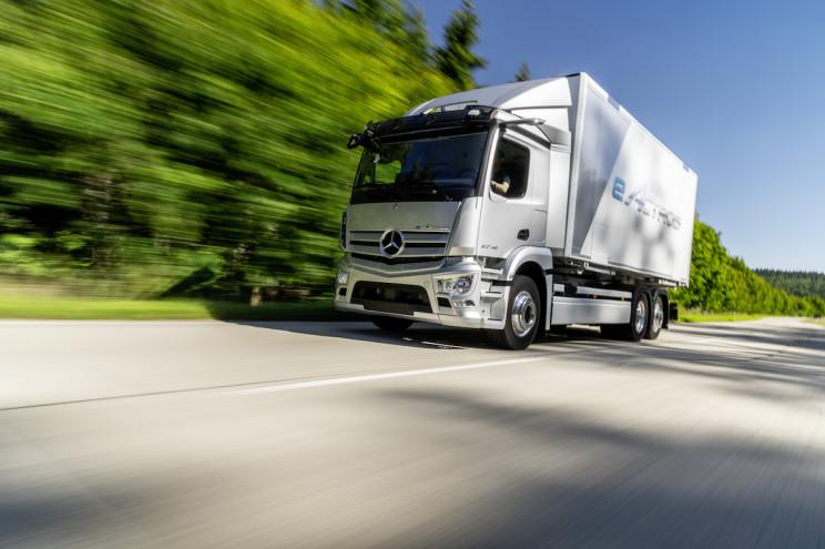 Mercedes-Benz, Konsept Hidrojen-Elektrikli Kamyonları Tanıttı