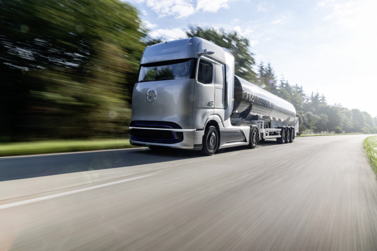 Mercedes-Benz Unveils Concept Hydrogen-Electric Trucks