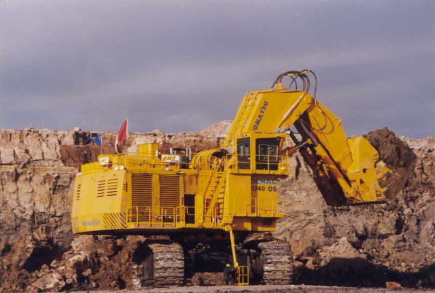 biggest excavators h740