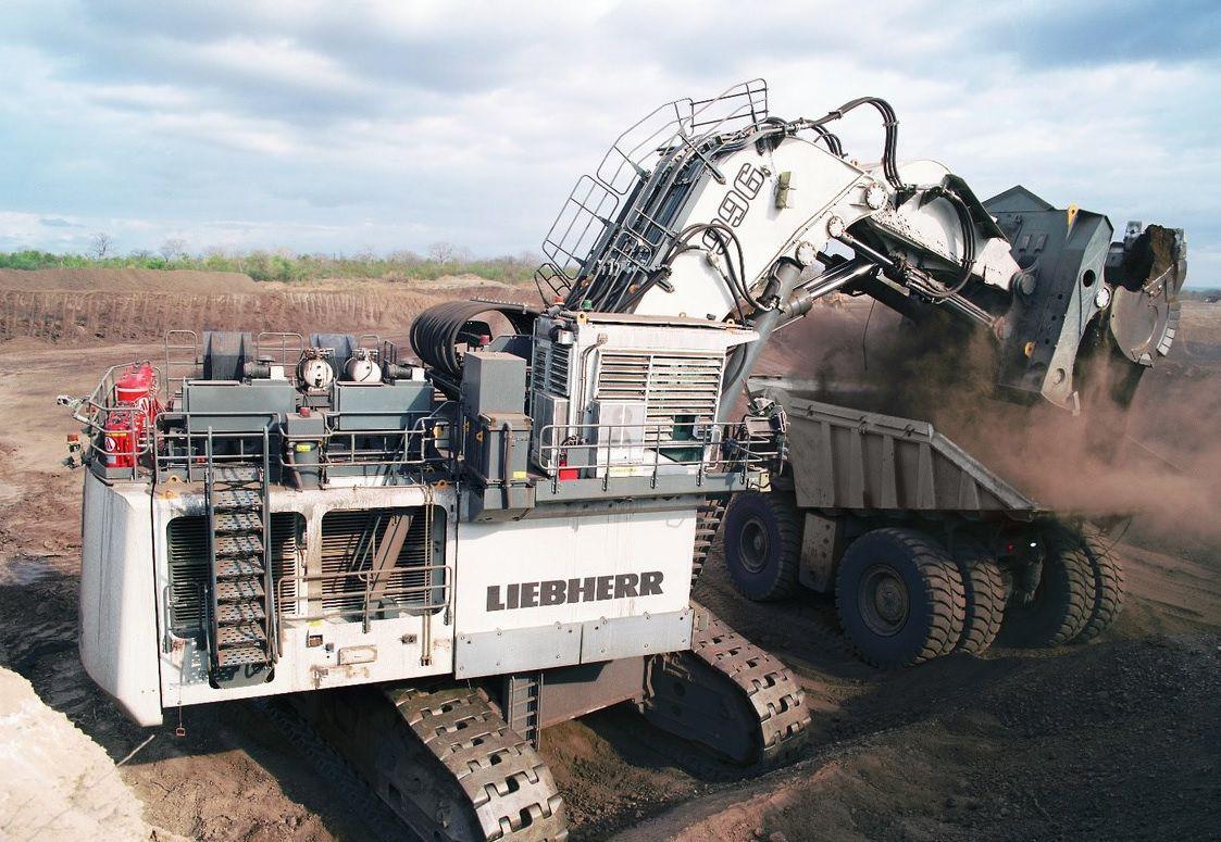 biggest escavators leibherr