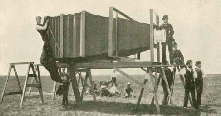 biggest cameras in the world 1900s
