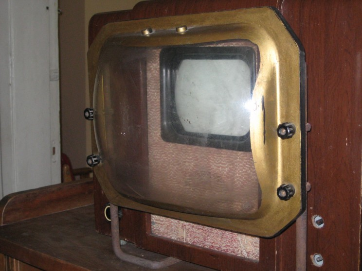 Soviets Used Magnifying Glasses to Make their TVs Bigger