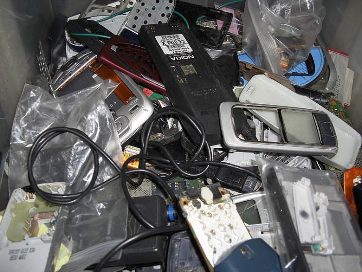 obsolete tech dumb phones