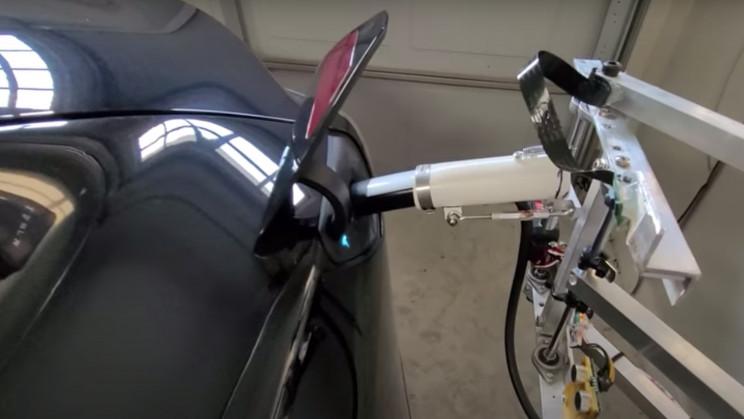 Tesla Owner Builds DIY EV Robotic Charger in His Garage