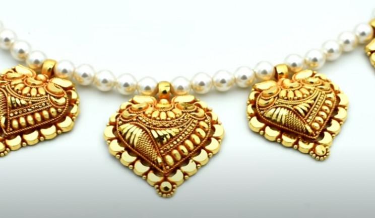 diy gold necklace complete