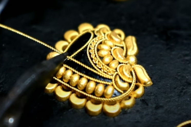 diy gold necklace heart designs
