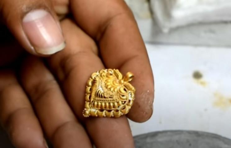 diy golden necklace gold loops