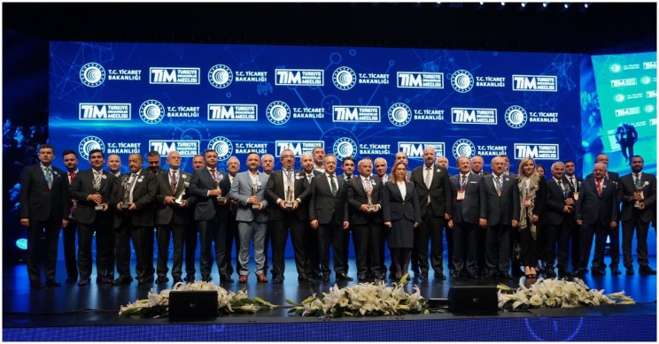 Turkcell Wins Award for Technology Development, Signs Sustainability Agreement