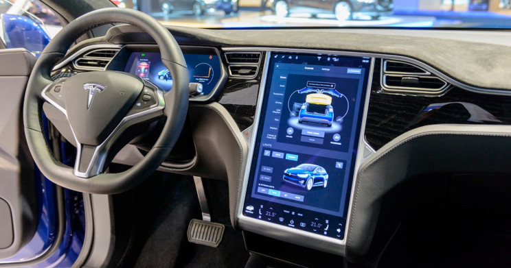 Tesla's Latest Software Update Lets You Summon Your Car, and Do Much More