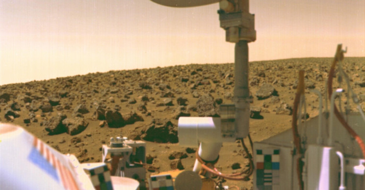 Ex-NASA Scientist Says Life Was Discovered on Mars in the 1970s