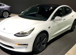This is How Tesla's Ultra White Seats Hold up After 25,000 Miles