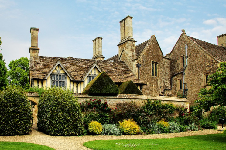 National Trust to Sell Its Shares in Fossil Fuels Minimizing Its Carbon Footprint