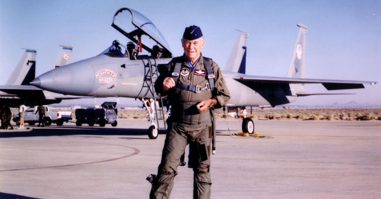 Chuck Yeager, First Pilot to Break the Sound Barrier, Dies Aged 97