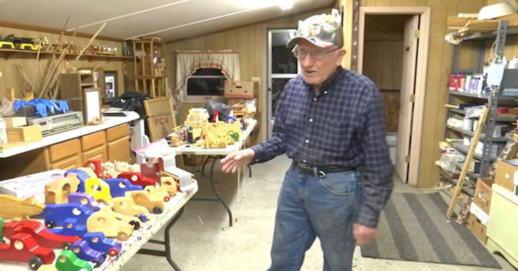 80-Year-Old Man Has Been Making Wooden Toys for Kids in Need over 50 Christmases
