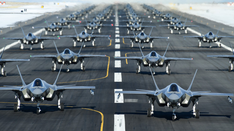 "Air Force Stages ""Elephant Walk"", Launching 52 Fighter Jets In a Row"