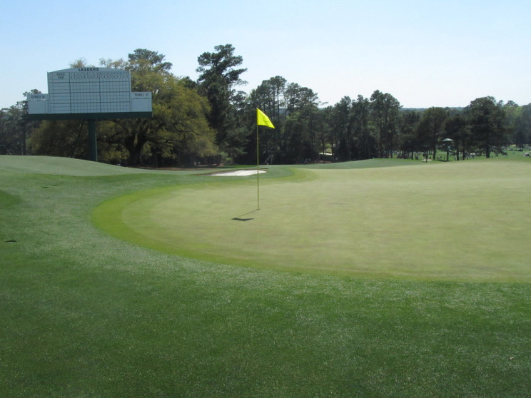 Unique Engineering of The Greens at Augusta National Golf Course
