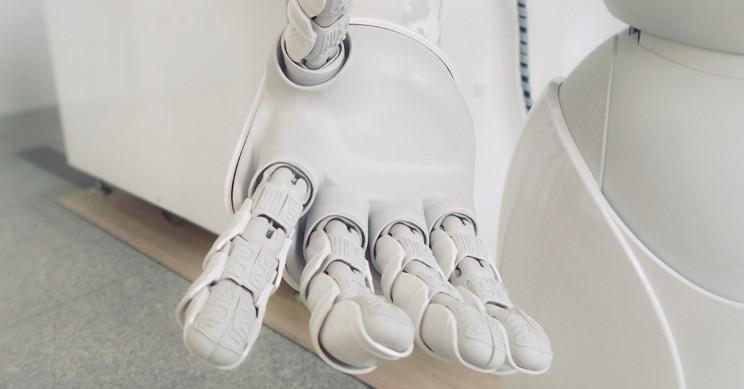 Yeni İnsansı Robotik El İnsan Etkileşimlerini Daha Güvenli Hale Getiriyor
