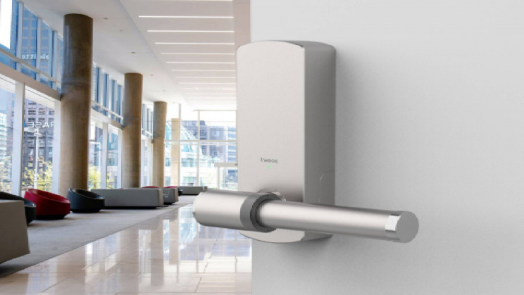 IoT Door Handle Wipes Itself Down With Disinfectant After Every Use