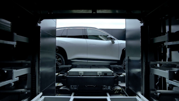 Tesla Rival's Battery Swapping Service Makes EVs Cheaper