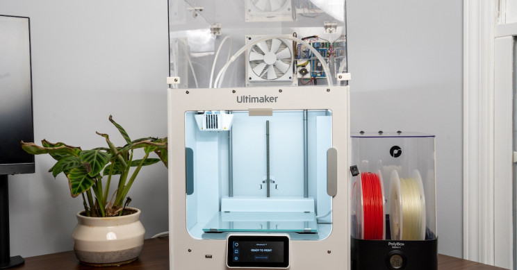 Engineer Builds Coolest Air Filtration System for his 3D Printer