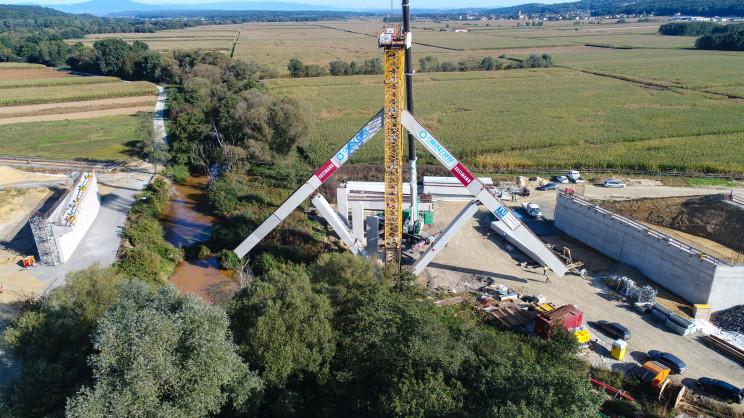 Engineers Unveil New Futuristic Bridge Construction Method, Modeled after the Umbrella