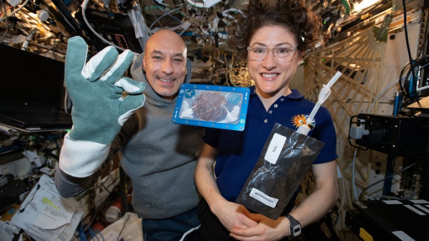 Astronauts Baked Cookies in Space and Were Surprised at How Long It Took - Interesting Engineering