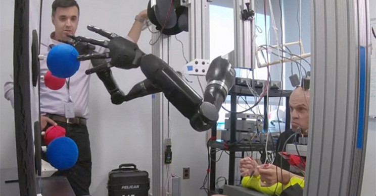 Brain Implant Allows Man to Simultaneously Control Prosthetic Limbs