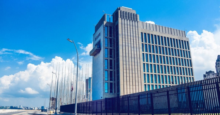 Inexplicable Symptoms in US Diplomats Linked to Microwave Pulses