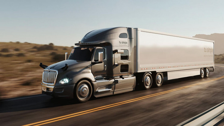 Self-Driving Truck Completes 950-Mile Trip 10 Hours Faster Than Human Driver