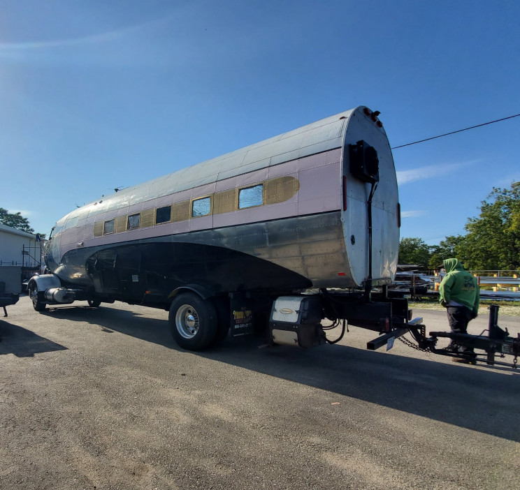 Air Force Veteran Turns WWII Aircraft into an Airplane RV