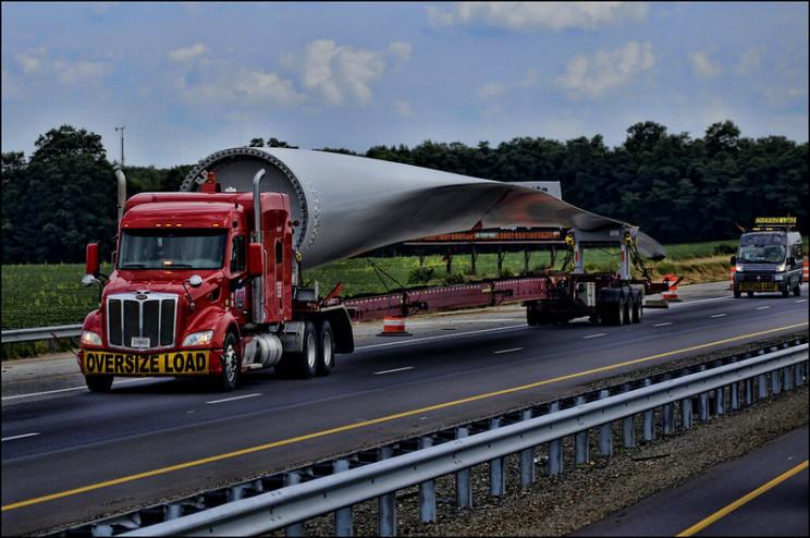 wind turbine blades transport