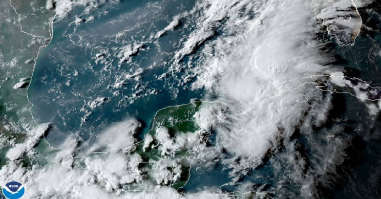 Double Hurricane Warning Issued for The Gulf of Mexico