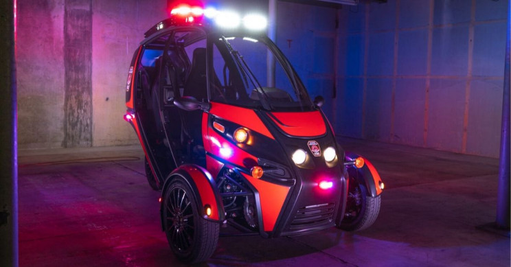 Watch Firefighters Test This All-Electric 3-Wheel 'Rapid Responder' Vehicle