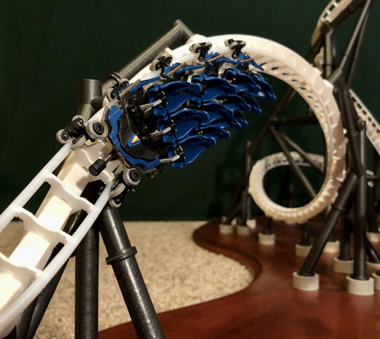 Engineer Builds Self-Launching Miniature Roller Coaster With 3,000 Parts