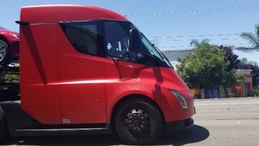 Image of article 'Tesla Uses Its Semi Prototype Truck To Deliver Vehicles'