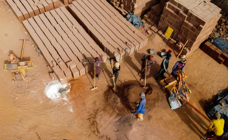 Senegal Firms Turn to Traditional Construction Using Earth Materials in Lieu of Cement Bricks