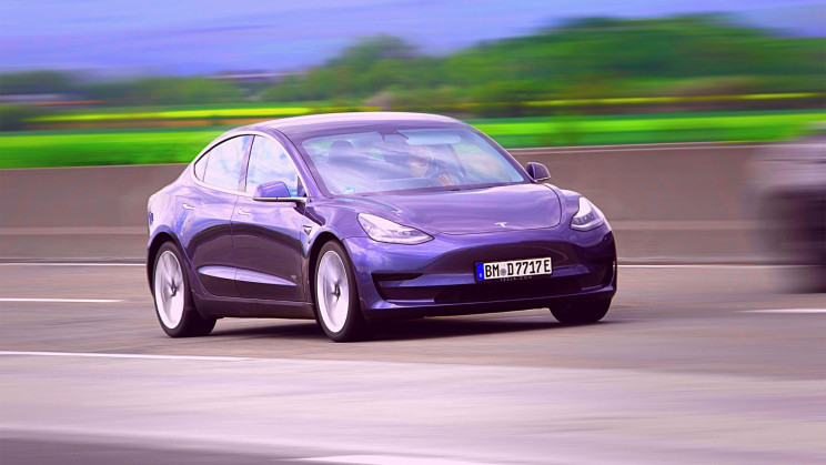 The US Government Just Launched a Probe Into Tesla's Autopilot System