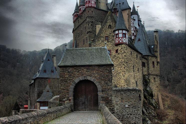 evil buildings Eltz Castle