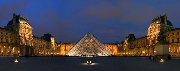 paris tourist guide louvre