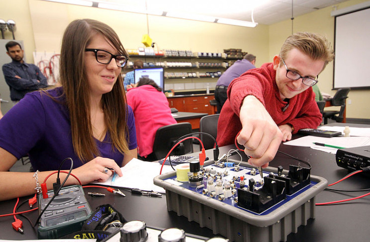 Resources and Courses for High School Students Interested in Engineering