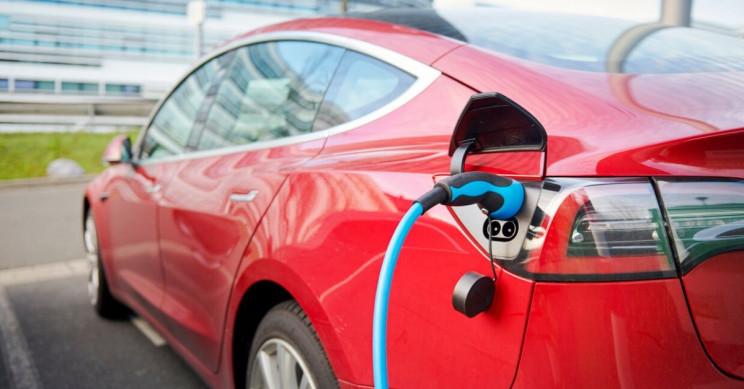 Tesla Model S Long Range Plus offers 646 km driving range