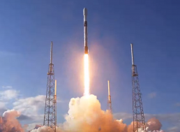 SpaceX Successfully Launches Next Batch of Satellites Into Orbit