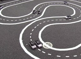 Driverless Cars Working Together Make Traffic Safer and Smoother