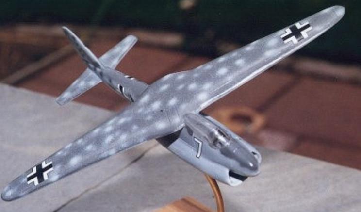 scissor winged planes p202