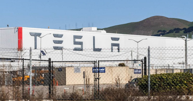 California Tells Tesla Employees to Ignore Stay-at-home Order, Declaring Them 'Essential'